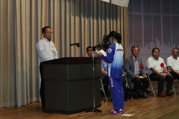 国体壮行式にて謝辞を述べる河原選手
